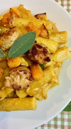 Savor fall flavors in this rigatoni in creamy pumpkin sauce with butternut squash and chicken sausage. It's one complete heavenly meal in a plate. Sausage Pasta, Chicken Sausage, Chicken Pasta, Side Recipes, Sausage Recipes, Pasta Recipes, Meat Recipes, Dinner Recipes