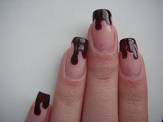 drippy blood-halloween nails