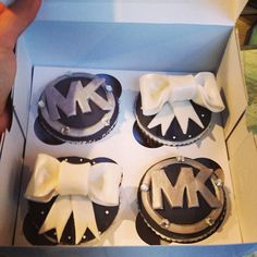Michael Kors Cup Cakes