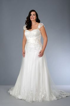 #sv1579 Cap Sleeve Lace Wedding Dress for Plus Size Frame