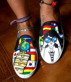 Viajes/ Love trip  zapatillas pintadas/ painted shoes/  https://www.facebook.com/pages/Viva-La-Vida/723656094337078?fref=ts
