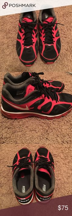 2012 Nike Air Max 2012 Nike Air Max in excellent condition Nike Shoes Athletic Shoes