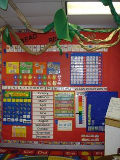fun...I like for my math meeting area...my mentor teacher has this set up as well and I love it!!