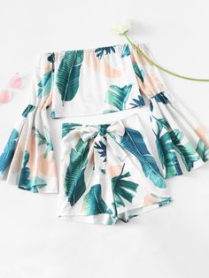 ROMWE - ROMWE Bardot Flute Sleeve Leaf Print Random Crop Top With Shorts - AdoreWe.com Girls Fashion Clothes, Teen Fashion Outfits, Outfits For Teens, Cute Casual Outfits, Cute Summer Outfits, Tropical Outfit, Two Piece Outfit, Mode Inspiration, Aesthetic Clothes