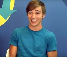 Tom Phelan From Teens React | he's adorable.. too bad he's two years older ._.