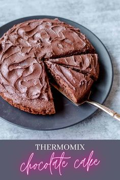 A super easy recipe for Thermomix Chocolate Cake with a silky smooth buttercream icing Thermomix Chocolate Cake, Thermomix Desserts, Chocolate Recipes, Sweet Recipes, Cake Recipes, Chocolate Buttercream Icing, Healthy Cheesecake, Light Cakes, Chocolate Heaven