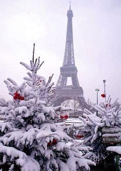 white - - Snow in Paris christmas