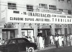 Caruso Copacabana. Localiza-se na Av. Nossa Sra. de Copacabana 1.362. Foi inaugurado em 1954, com capacidade de 867 lugares.