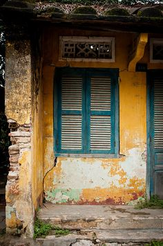 Old Hoi An Building One of the many old buildings in the Ancient Town portion of Hoi An Viet Nam. The post Old Hoi An Building appeared first on Building ideas. Vietnam Hotels, Vietnam Travel, Colonial Architecture, Beautiful Architecture, Good Morning Vietnam, Beautiful Vietnam, Vietnam History, French Colonial, Hoi An