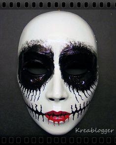 Great idea for Halloween makeup. Sfx Makeup, Costume Makeup, Makeup Art, Halloween Outfits, Scary Halloween, Halloween Make Up, Horror Makeup, Maquillaje Halloween, Skull Fashion
