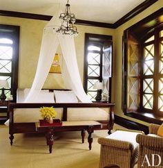 Colonial Bedroom Ideas Tropical Houzz British Colonial Design Ideas Tropical Bedroom Other Tropical Master Bedroom, Tropical Bedrooms, Tropical Homes, British Colonial Bedroom, British Colonial Style, British Style, Exotic Bedrooms, Beautiful Bedrooms, Estilo Colonial