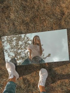 Ideas For Instagram Photos, Instagram Pose, Insta Photo Ideas, Cute Instagram Pictures, Cute Poses For Pictures, Cool Girl Pictures, Girl Photos, Portrait Photography Poses, Photography Poses Women
