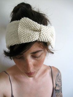 Seedy Bow Band - free knit pattern by pink brutus knits