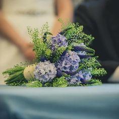 Ramo de novia Azul Floral, Flowers, Wedding, Florists, Bridal Bouquet Blue, Types Of Flowers, Wedding Bouquets, Blue Nails, Weddings