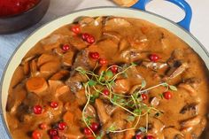 Kirstens elggryte Oppskrift Chana Masala, Thai Red Curry, Meat, Chicken, Dinner, Ethnic Recipes, Food, Projects, Dining