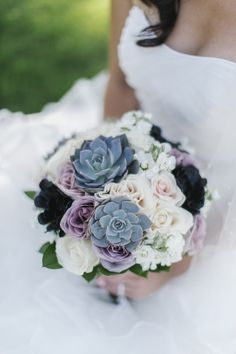 Wedding / Succulents and purple roses in a bouquet! Gorgeous