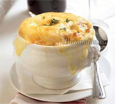 bariatric Cheesy French Onion Soup - simple recipe for this iconic soup will warm to your toes. Bariatric friendly food for the entire family. Low Carb Recipes, New Recipes, Soup Recipes, Cooking Recipes, Favorite Recipes, Chicken Recipes, Recipies, Healthy Recipes, Bariatric Eating