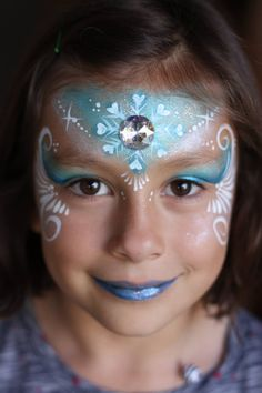 A face painting competition for christmas face painting designs, hosted by Illusion magazine and illusion face paint store Disney Face Painting, Face Painting For Boys, Christmas Face Painting, Face Painting Designs, Body Painting, Elsa Frozen, Frozen Face Paint, Frozen Makeup, Simple Snowflake