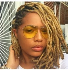I&Apos;M getting more into yellow frisuren, dreadlocks mädchen, blonde drea Dreadlock Styles, Dreads Styles, Dreadlock Hairstyles, Braided Hairstyles, Curly Hair Styles, Cool Hairstyles, Natural Hair Styles, Short Dread Styles, Black Hairstyles