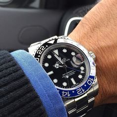"Rolex GMT "" black and blue"". . . #rolexwatch #rolexgmt #vintagerolexforum #rolexforsale #watchoftheday #watchaddict #watchfam #gqstyle #gq #mensfashion #menstyle #bobswatches credit @sportwatchmania"
