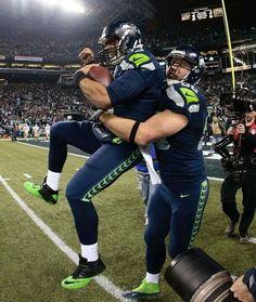 Love the look on Russell's face! GO HAWKS!!