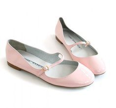 flats in pink ❤