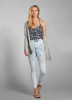 Get ready for an unforgettable night out in a pair of acid wash, natural waist jeggings.