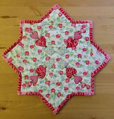 Sister Of The Divide Valentine Table Topper Tutorial