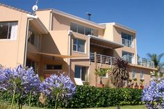 African Dreams - African Dreams is a modern, contemporary, luxury 4 Star guest house with a subtle safari ambience offering outstanding hospitality, excellent cuisine, panoramic views, tranquillity and privacy.  The guest ... #weekendgetaways #somersetwest #southafrica