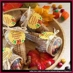 Dollar Store Crafter: These Thanksgiving Cornucopia Candy Favors Would B...