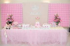 Loveeee the backdrop and the front oh well the whole table! Ballerina Birthday, 1st Birthday Girls, Princess Birthday, Princess Party, 1st Birthday Parties, Ballet Cakes, Carousel Party, Decoration, Baby Shower