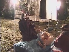 Behind the scenes of Scream. Horror Photos, Scream Movie, Horror Themes, Famous Monsters, Movie Facts, Fantasy Movies, Horror Films, Horror Icons