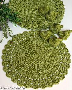 Crochet Flowers, Crochet Earrings, Bunny, Instagram, Crochet Doilies, Crochet Stitches, Ornaments, Fabrics, How To Knit