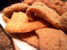 Fried Fish South Your Mouth: Southern Fried Fish - I used orange roughy.South Your Mouth: Southern Fried Fish - I used orange roughy. Fried Tilapia, Swai Fish, Fried Shrimp, Fried Rice, Fish Dishes, Seafood Dishes, Seafood Recipes, Cooking Recipes, Gastronomia