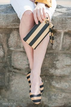 Wake Forest University black and gold stripe shoes and matching clutch / Photo by Fancy This Photography / @lillybeeu / @sthrnbridegroom / Southernbrideandgroom.com