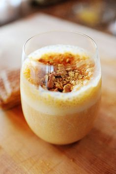 Pumpkin Smoothie with Graham Crumb Topping smoothies healthy, smoothie recipes Smoothie Drinks, Healthy Smoothies, Healthy Drinks, Smoothie Recipes, Healthy Recipes, Healthy Food, Healthy Eating, Pumpkin Recipes, Fall Recipes