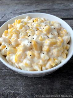 Crock Pot Cream Corn Recipe - Thanksgiving is almost here, time to start planning! You have to try this easy crock pot cream corn. Crock Pot Slow Cooker, Crock Pot Cooking, Slow Cooker Recipes, Crockpot Recipes, Cooking Recipes, Thanksgiving Recipes Crockpot, Crockpot Dishes, Thanksgiving Food, Side Dish Recipes