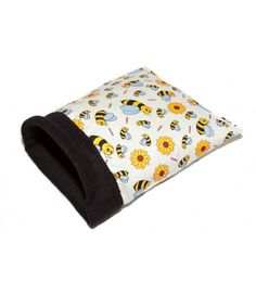 Snuggle Pocket designed for single guinea pigs, hedgehogs, small rabbits, rats, ferrets etc Full range of our stylish and fun items can be found at http://www.candecosies.co.uk