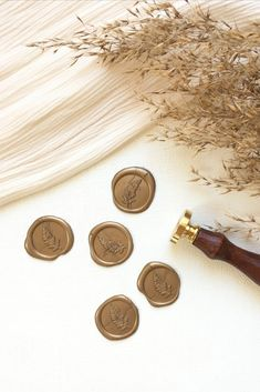 These antique gold wax seals are self adhesive so you can add them as many parts of your wedding stationery as you like  #waxseal #wax #waxseals #goldwaxseals #selfadhesivewaxseals #weddingwax #weddingwaxseals #antiquegoldwaxseals #luxurywaxseals #waxsealstickers