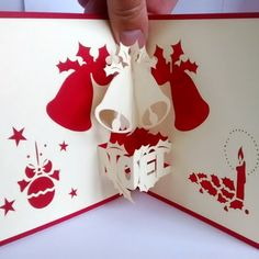 carte Pop-up Noël - clochettes blanches et rouges et avec des lettres Noël en 3D Pop Up Christmas Cards, Pop Up Cards, Xmas Cards, Diy Cards, Easy Diy Mother's Day Gifts, Diy Mothers Day Gifts, Mother's Day Diy, 3d Quilling, Decoupage Paper