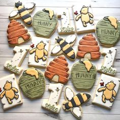 Pretty obsessed with these vintage Winnie the Pooh cookies! 🐝