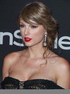 Taylor Swift Web Photo Gallery: Click image to close this window Taylor Swfit, Taylor Swift Hair, Taylor Swift Style, Taylor Alison Swift, Taylor Swift Gallery, Taylor Swift Pictures, Miss Americana, Queen, Celebs