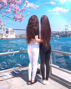My best memories are the ones we make together. Tag your BFF ?✨ We want to say thank you for your support!Under this… – Best Friends Forever Stylish Girls Photos, Stylish Girl Pic, Girl Photo Poses, Girl Photos, Friend Poses Photography, Cartoon Girl Images, Best Friend Outfits, Cute Twins, Twin Outfits