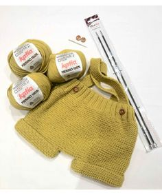 Viella, Lleida city and capital of the Aran Valley. Baby Boy Knitting, Knitting For Kids, Crochet Baby, Knit Crochet, Baby Romper Pattern, Knit Stockings, Baby Patterns, Knitted Hats, Girl Outfits
