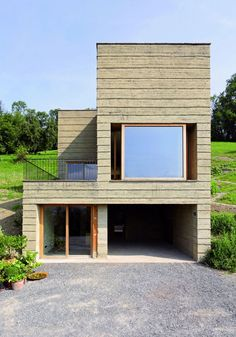Rammed earth House Rauch by Boltshauser Architekten