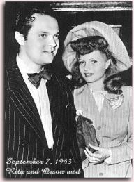 Orson Welles marries Rita Hayworth, 7 September The Kobal Collection. Weddings and Movie Stars (Reel Art Press) Golden Age Of Hollywood, Hollywood Stars, Classic Hollywood, Old Hollywood, Hollywood Icons, Celebrity Wedding Photos, Celebrity Couples, Celebrity Weddings, Hollywood Couples