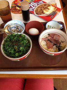 """Pause déjeuner à Shinjuku - Carnet de voyage """"Ohanami 2015 : 20 jours de printemps au Japon"""""""