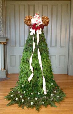 Rengency era Christmas Tree Gown 2016 - Back.  the dustyvictorian.blogspot.ca