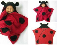 star fleece baby wrap sleeping bag sleepsack by Diy Muslin Swaddle Blankets, Swaddle Wrap, Couture Bb, Wearable Blanket, Halloween Carnival, Star Wars Baby, Sleep Sacks, Baby Wraps, Lady Bug