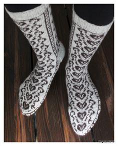 Sydänpolku by Megetar Sydänpolku by Megetar Knitting Charts, Knitting Socks, Hand Knitting, Knit Shoes, Wool Socks, Slipper Boots, Designer Socks, Boot Cuffs, Knitted Shawls